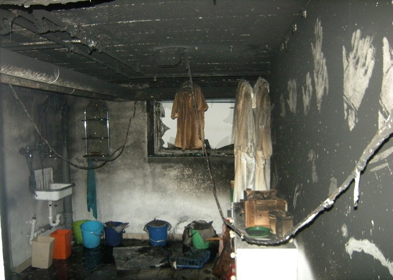 kellerbrand in g nding kreisfeuerwehrverband dachau e v. Black Bedroom Furniture Sets. Home Design Ideas